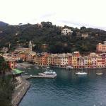Vista da Igreja para o porto de Portofino