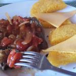 Bistec de carne con tortillas