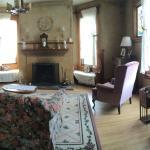 Photo de Cedar Rose Inn Bed and Breakfast