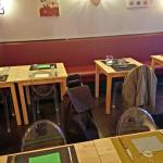 """Les tables, et le """"canapé"""" grand angle. Que du bonheur :-)"""