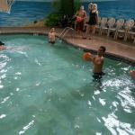 Photo de Budget Host Inn & Suites
