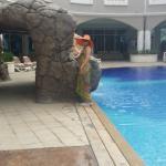 Бассейн в отеле с видами из номеров