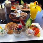6 item brunch at Café K