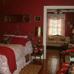 The Angelus - The Garden Cottage at Breeden Inn
