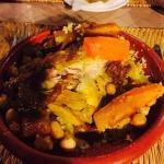 Couscous poulet oignons confits avec fruits secs