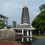 ホテルの前に出ると見える天寧寺のタワー
