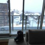 一般從這面窗看出去,就是羊蹄山了,這天大雪看不見...