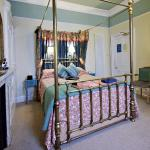 the lovely Byland room with a king size bed and ensuite shower room