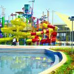 go! splash tower facility - view 3