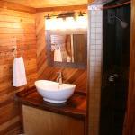 Bath Ponderosa room