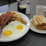 Village Inn Cafeの写真