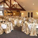 Golden Glow Ballroom Foto