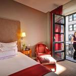 Photo de Hotel Giraffe by Library Hotel Collection