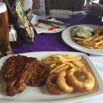 500gm T-Bone with excellent onion rings & chips