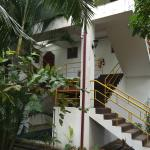 Rear walk up to rooms