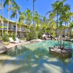 Cairns Rainbow Resort Pool Area