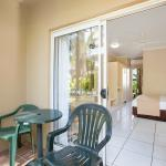 Cairns Rainbow Resort Room Entry