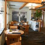 DH Food & Lodging Restaurant