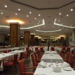 Rahat bir restoran ve servis iyi