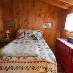 Tree House cabin bedroom