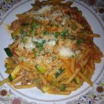 Vegetable pasta with meat sauce