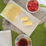 Café da manhã com manteguinha de Moai