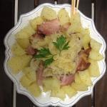 """""""Eisbein mit Sauerkraut"""": Joelho com Chucrute, prato tipico alemão servido na Opera, MUITO SABOR"""