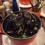 Moules with garlic and and cream sooo good!