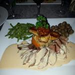 Escalope de foie gras.  Magret de canard et chou