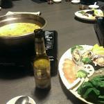 Kokos-Curry Hot Pot mit Meeresfrüchten