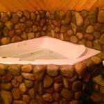 One of the best Jacuzzi / Tub experiences in my life. Better then 4 star Vegas Jacuzzi's.