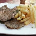 le traditionnel steak-frites