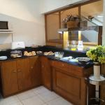 Mendoza, Argentina, Petit Hotel. Desayuno buffet.
