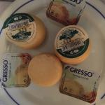 Queijos e margarina de entrada