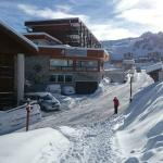The hotel from the access from the slopes