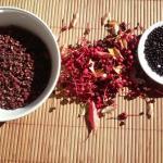 la récolte du poivre de setchwan au Mas