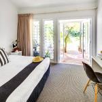 Palm Room (122264202)
