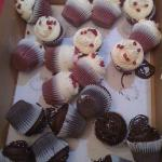 Here is how the cupcakes arrived from Olive Market!  Sigh.