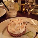 Limon pie with cream