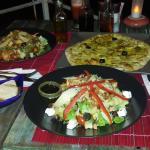 Pizza au curry et Pad Thai un mélange sympathique de 2 cultures