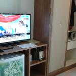 Télévision mais les 2 chaînes sont à éviter.