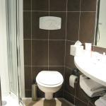 salle de bains très compacte