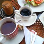 Café recién pasado y té Lipton