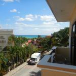 """Vista desde la """"junior suite con vista al mar"""" en la tercera planta."""