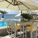 Около бассейна в Sanremo