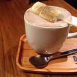 Hot cocoa with marshmallow. 棉花糖熱可可