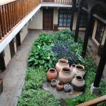 Uno de los patios del hotel