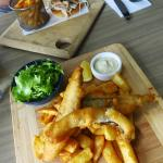 Pulled pork burger and fish & chips