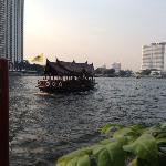 Free River Transfer to night market