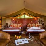 Spacious, luxury tented suites with full en suite facilities